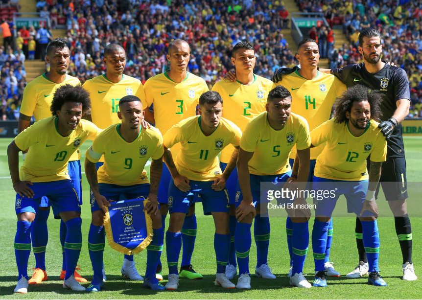 brazil-2018-nike-home-kit-yellow-blue-blue-line-up.png