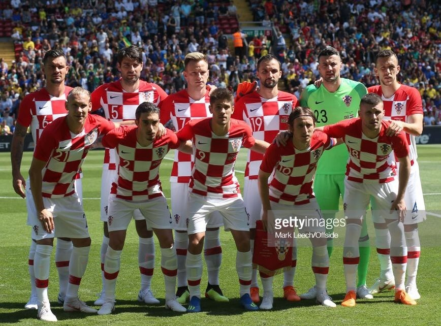 croatia-2018-nike-home-kit-check-white-white-line-up.jpg