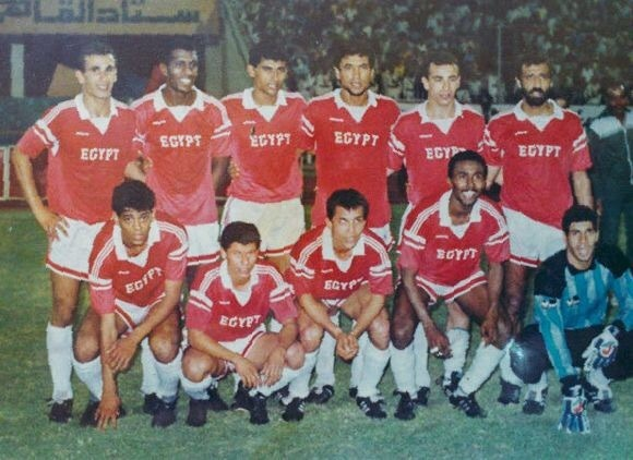 egypt-1960's-adidas-home-kit-red-white-white-line-up.jpg