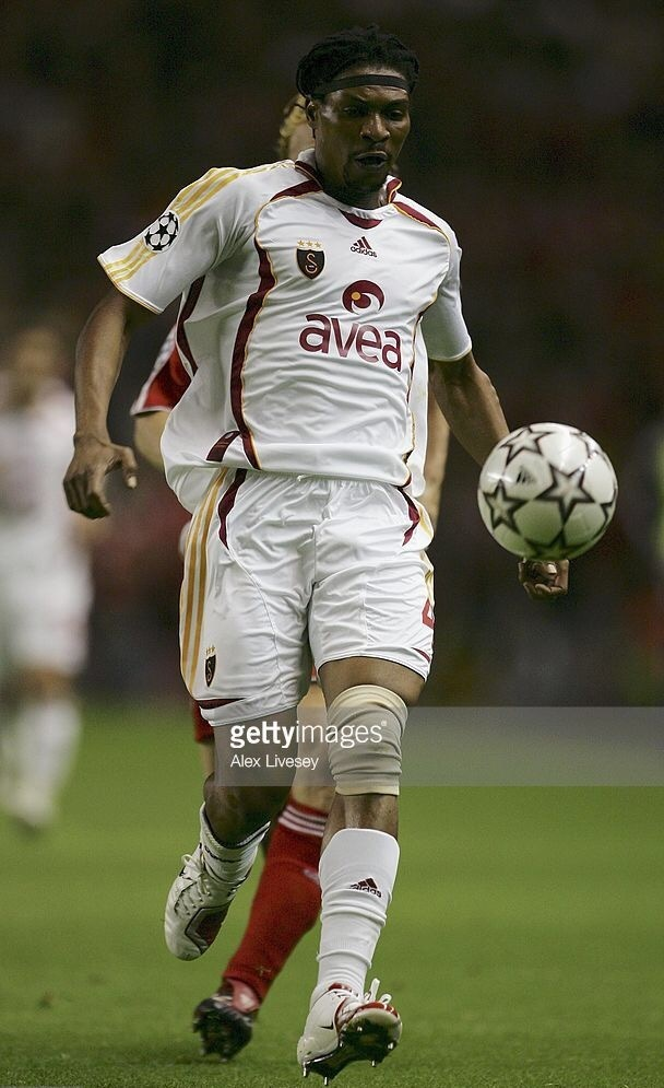 galatasaray-2006-07-adida-away-kit-rigobert-song.jpg