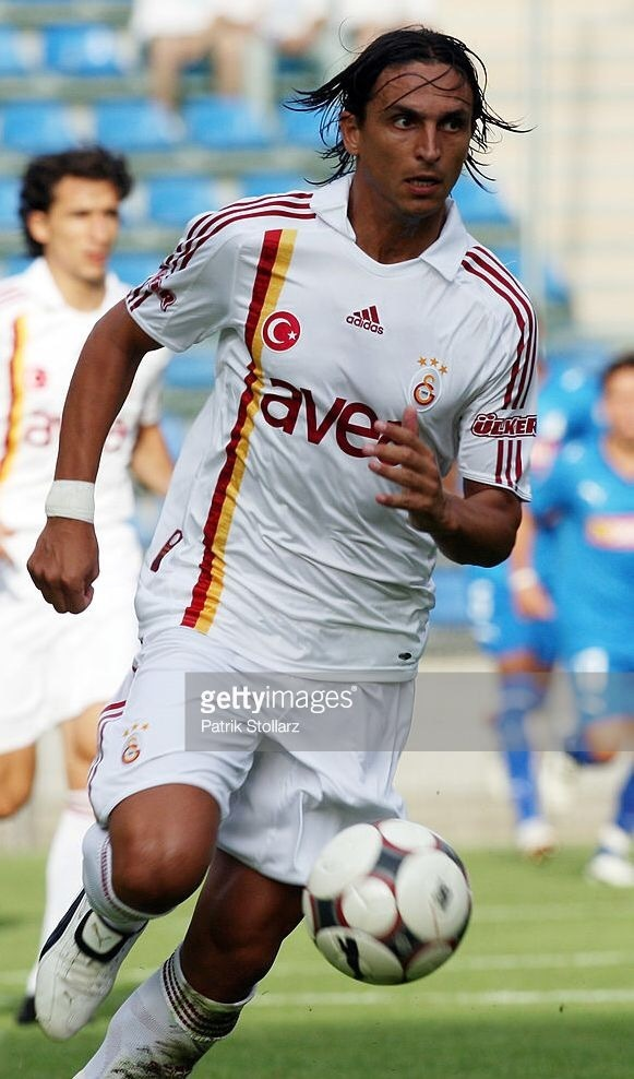 galatasaray-2008-09-adidas-away-kit-fernando-meira.jpg