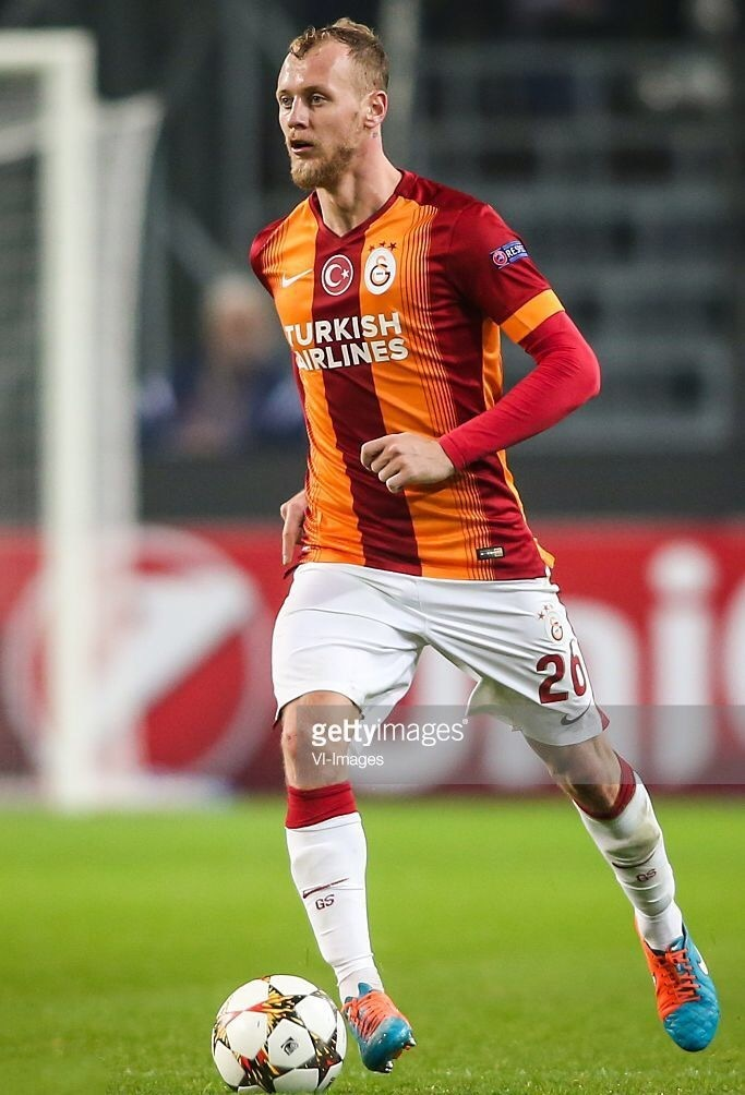 galatasaray-2014-15-nike-home-kit-semih-kaya.jpg