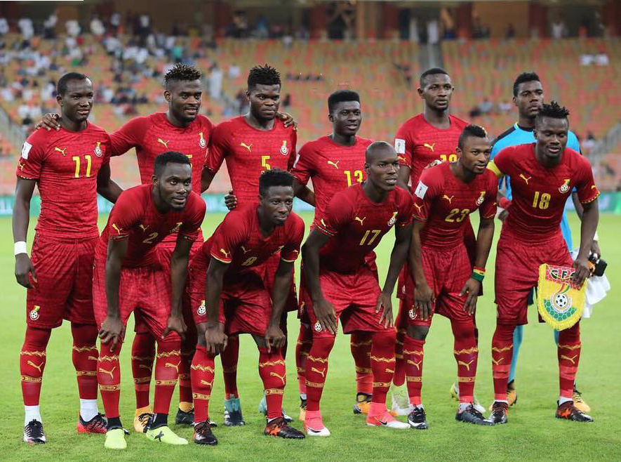 ghana-2016-17-puma-away-kit-red-red-red-line-up.png