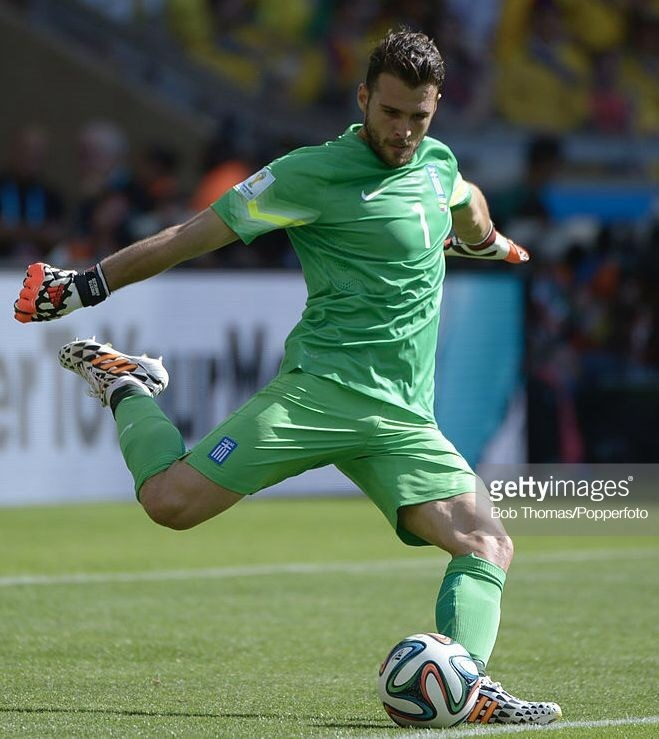 greece-2014-nike-gk-kit-green-green-green.jpg