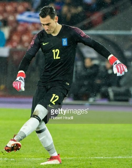 greece-2018-nike-gk-kit-black-black-black.jpg