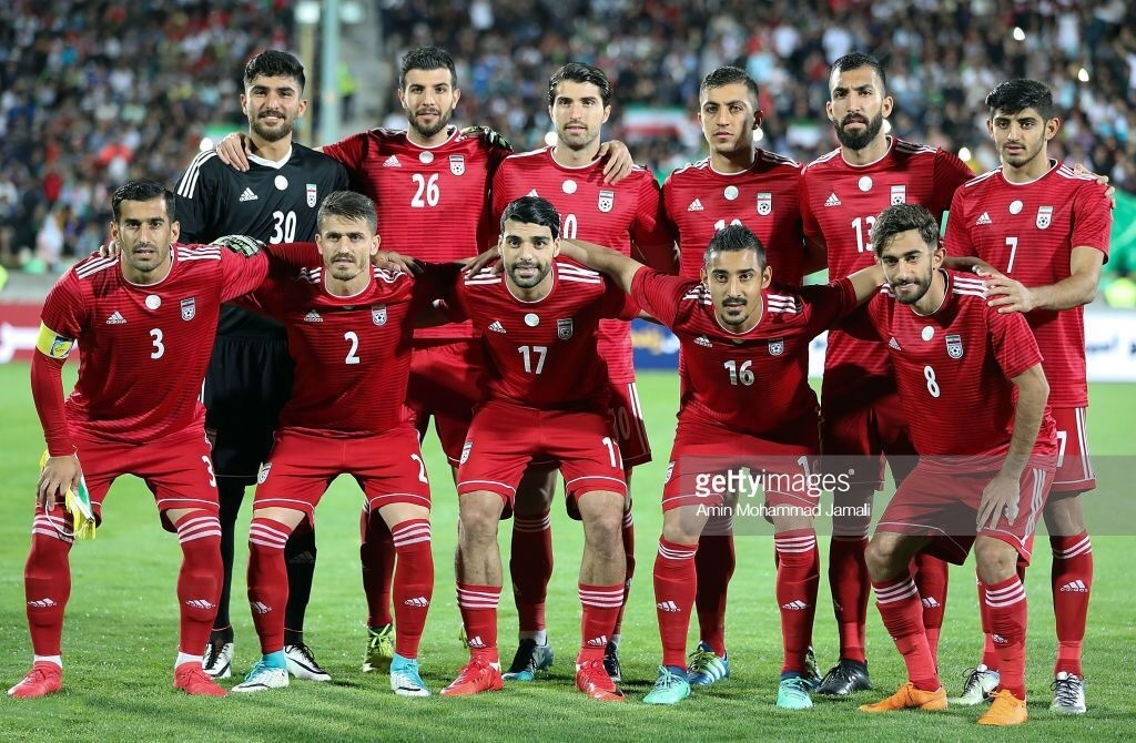 iran-2018-adidas-away-kit-red-red-red-line-up.jpg