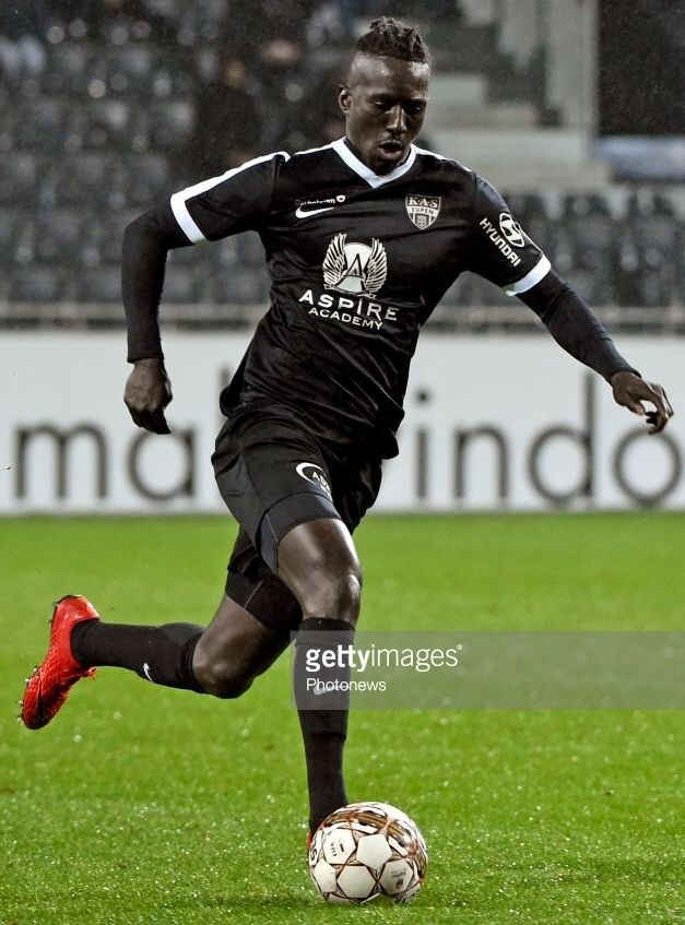 kas-eupen-2017-18-nike-home-kit.jpg