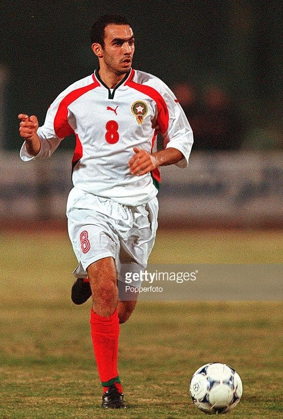 morocco-2000-01-puma-away-kit-white-white-red.jpg