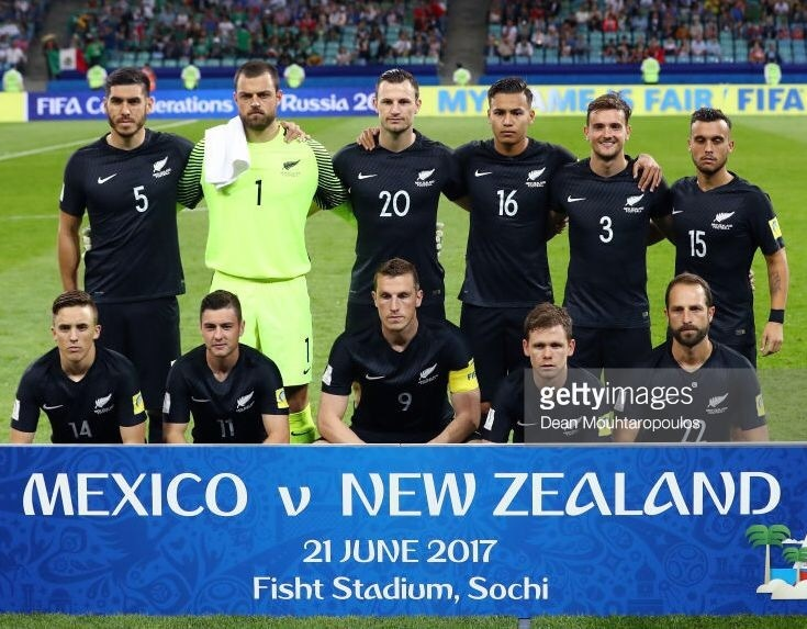 new-zealand-2017-nike-away-kit-black-black-black-line-up.jpg