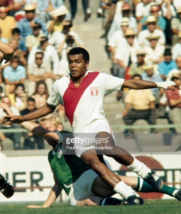 peru-1970-world-cup-kit-white-white-white.jpg