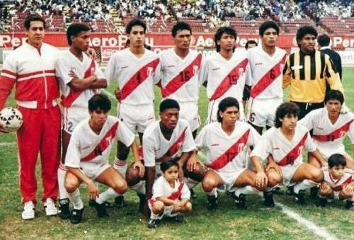 peru-1991-diadora-home-kit-white-white-white-line-up.jpg