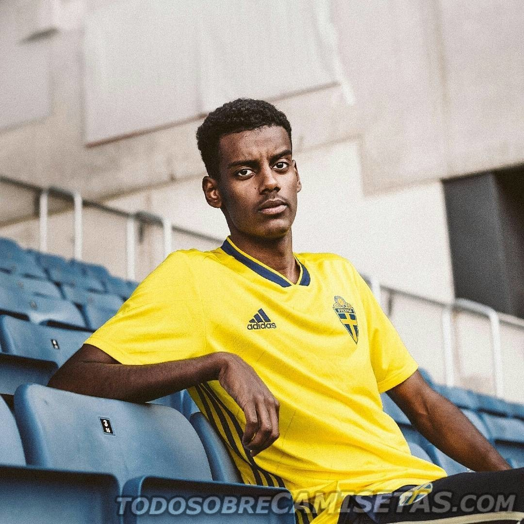 sweden-2018-adidas-new-home-kit-8.jpg
