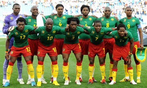 Cameroon-09-11-PUMA-uniform-green-red-yellow-group.JPG
