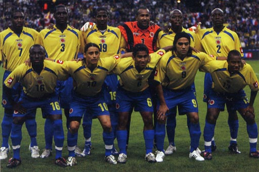 Colombia-07-08-lotto-home-yellow-blue-blue-group.JPG