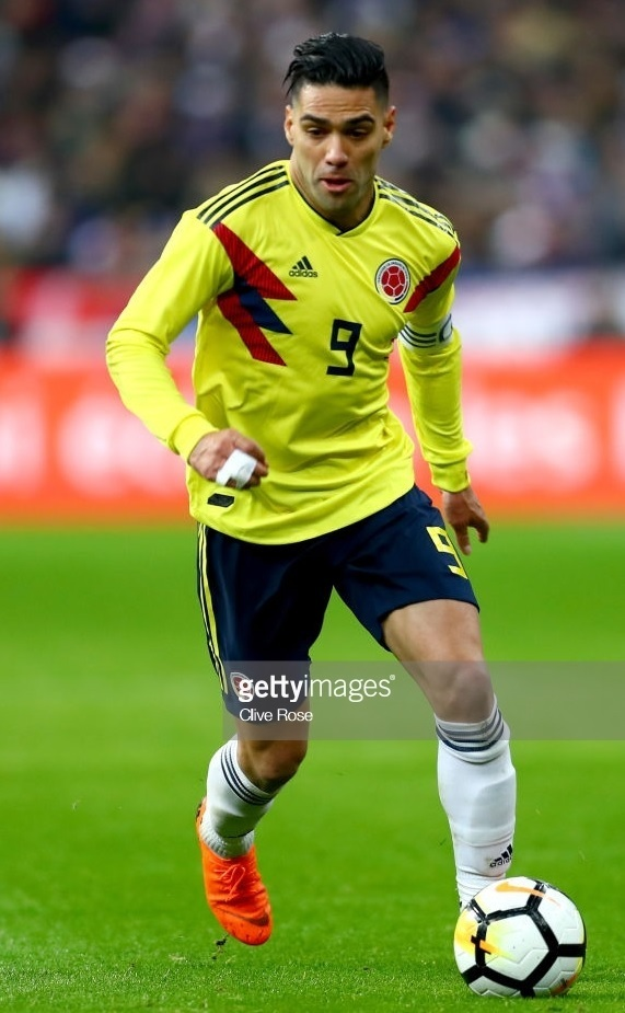 Colombia-2018-adidas-home-kit-yellow-navy-white.jpg