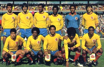 Colombia-85-unknown-away-kit-yellow-blue-red-line up.JPG
