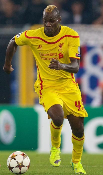 Liverpool-14-15-WARRIOR-second-kit-yellow-yellow-yellow-Mario-Balotelli.jpg