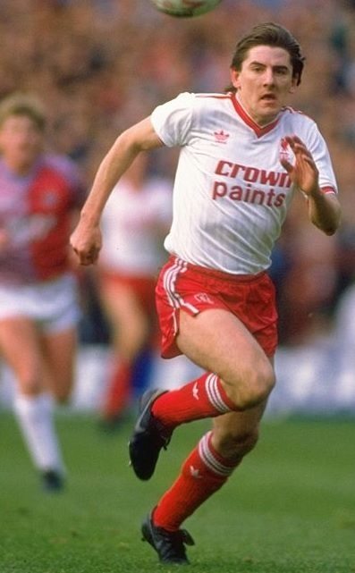 Liverpool-1987-88-adidas-third-kit-Peter-Beardsley.jpg