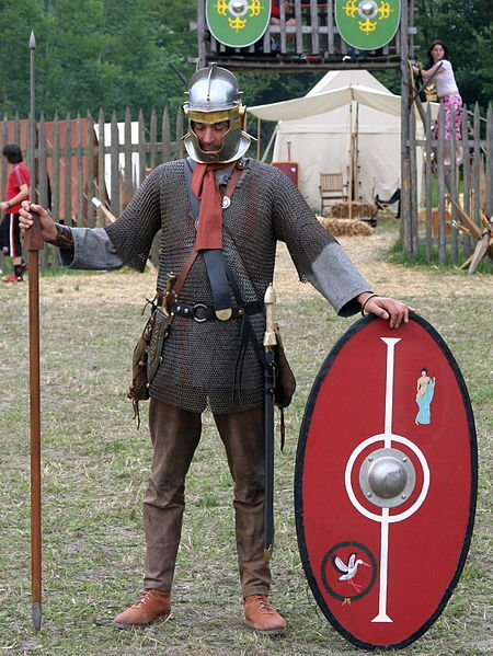 Roman_soldier_175_aC_in_northern_province.jpg